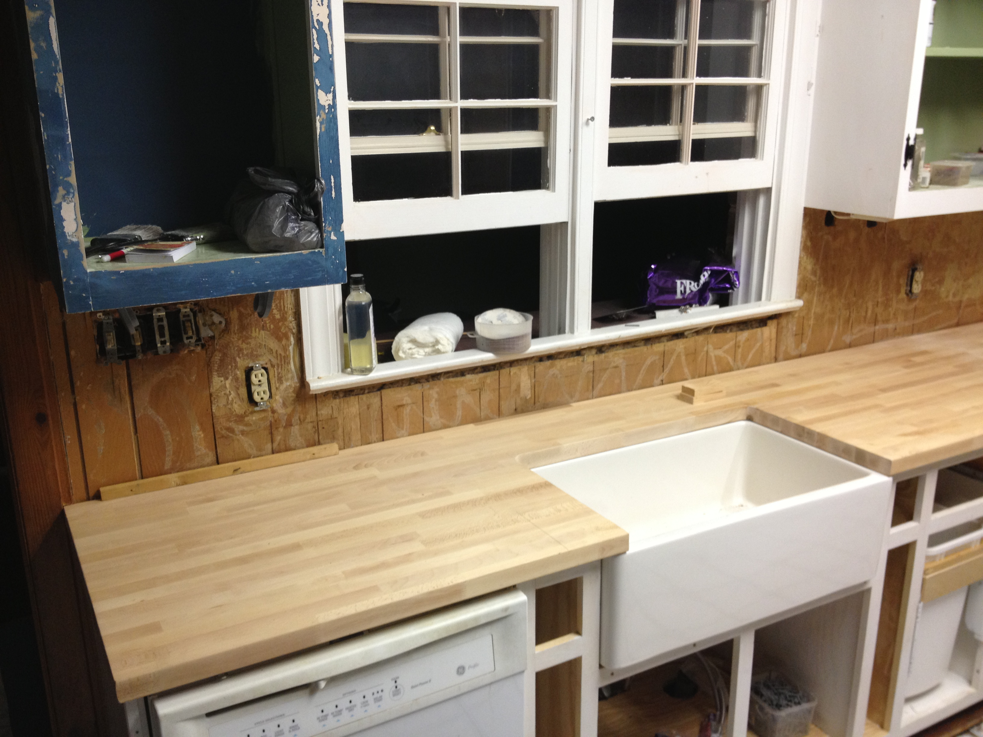Installing butcher block countertops ikea best ikea for Ikea countertops review